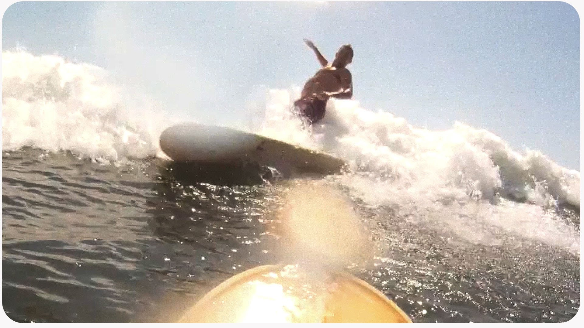 Surfing Wipeout Nearly Takes Out Surfer