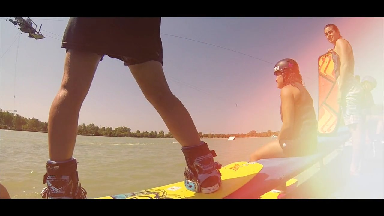 Chicks With Tricks 2014 – Girls Wakeboarding