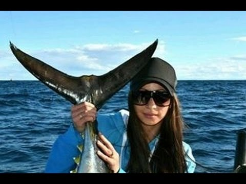 Bluefin Tuna VS Beautiful Milena Hota