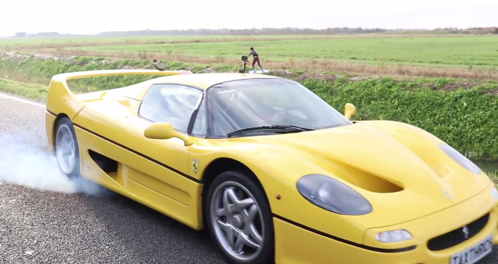 Wakeboarding Dragged behind a Ferrari F50 !