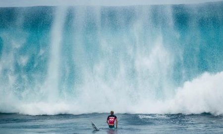 Caught Inside Massive Waves – Extreme Surfing